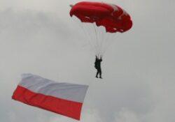 Lengyelország milliomos lett
