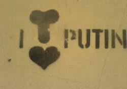 Az Internet buktatta le Putyin ambícióit