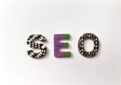 Befolyásolja a webtárhely és a domain a SEO-t?